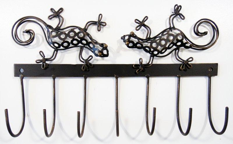 Metal Clothing Hook : Metal coat hook with gecko detail