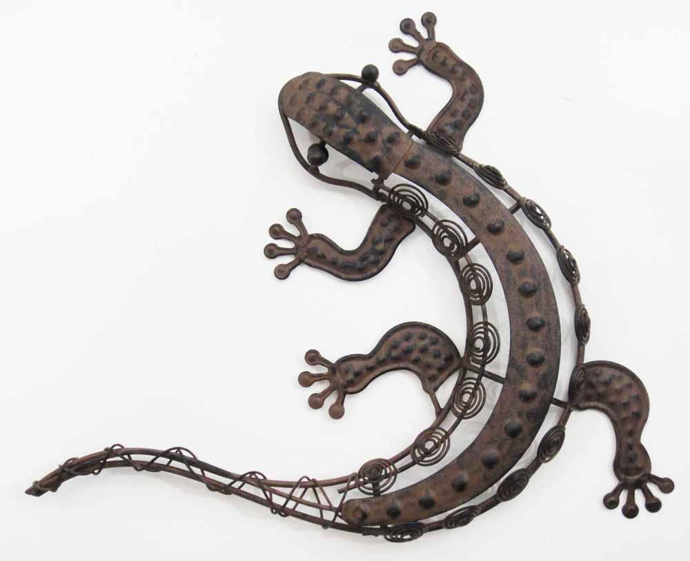 Outdoor Wall Decor Gecko : Metal wall art rustic coiled loop gecko